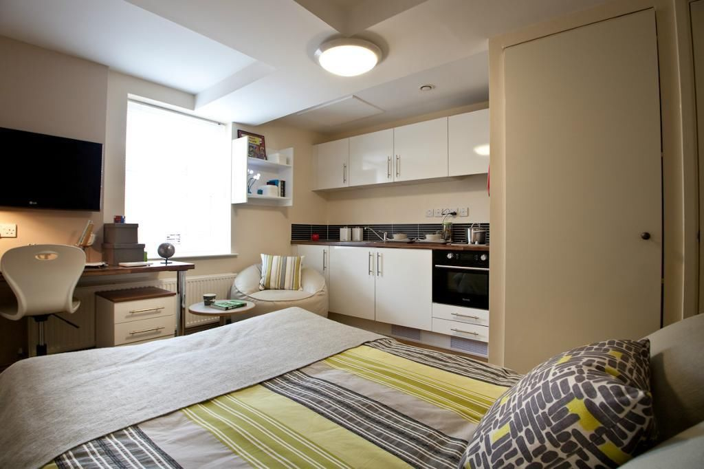 Huddersfield Properties, 595b Manchester Road